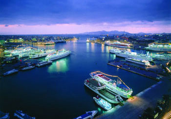 piraeus-port-night