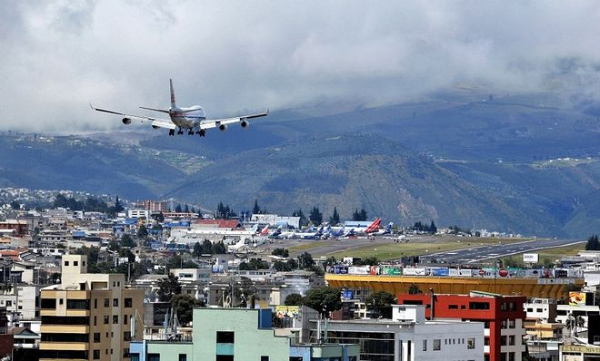 Airport Mariscal Sucre