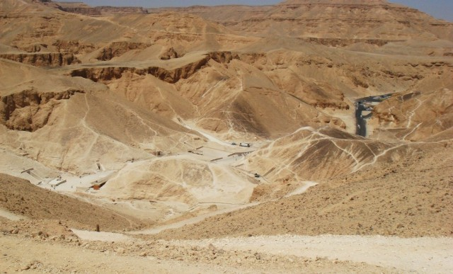 Valley_of_the_kings-2